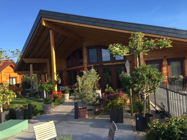 Aufwändiges Wohnblockhaus westlich von Bad Hersfeld