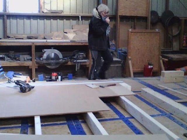 Zimmerei - Holzbau Brandt - Holzrahmenhaus - Vorbereitende Zimmererarbeite für das Holzhaus in Holzrahmenbauweise