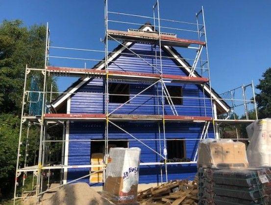 Blaues Blockhaus mit Thermowand in Mecklenburg-Vorpommern