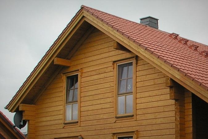 Holzbau Brandt - Blockhausbau - Blockhaus als Wohnhaus - Blockhaus Giebel - Massivholzhaus