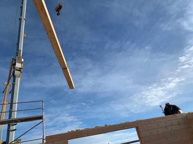 Holzbau Brandt - Blockhaus Montage mit Kran