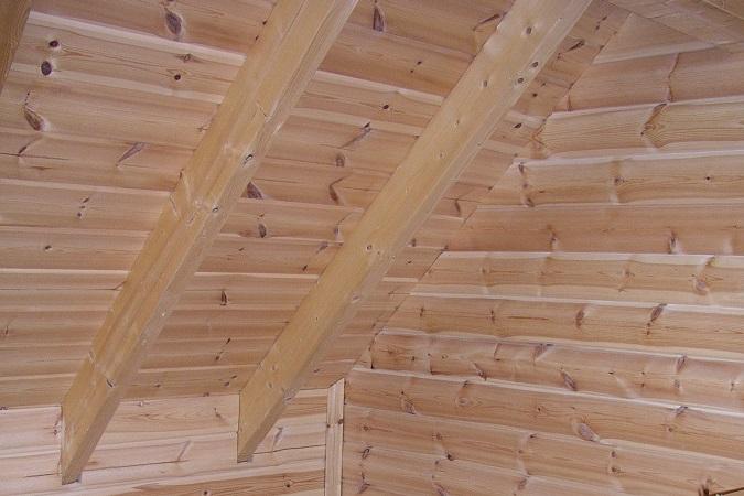 Holzbau Brandt - Innendecke im Ökohaus - Massivholzhaus - Polarkiefer -Blockhausbau