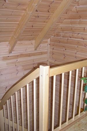 Holzbau Brandt - Geschoßtreppe im Holzhaus