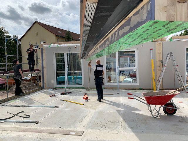 Holzbau Brandt - Holzrahmenhaus - Der Dachstuhl des Neubaus wird gebaut