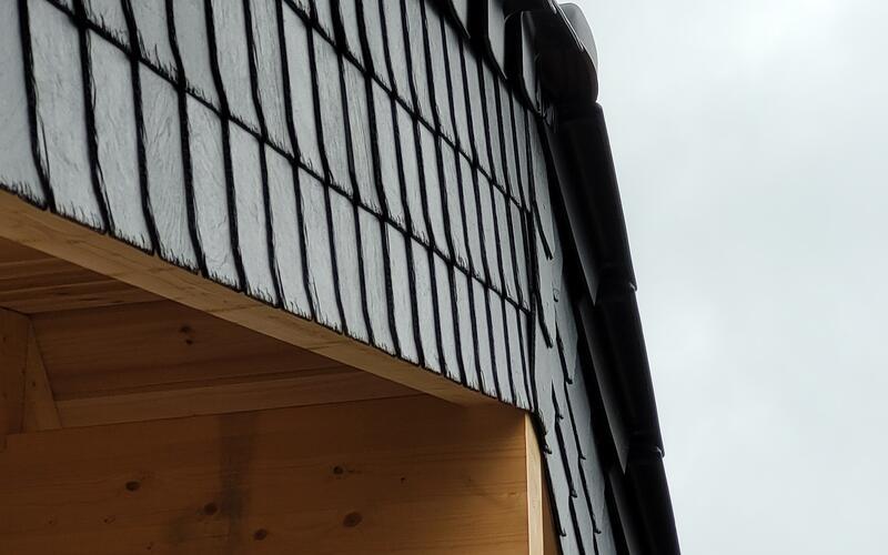 Holzbau Wolfgamg Brandt - Blockhaus - Einfamilienhaus Dacheindeckung