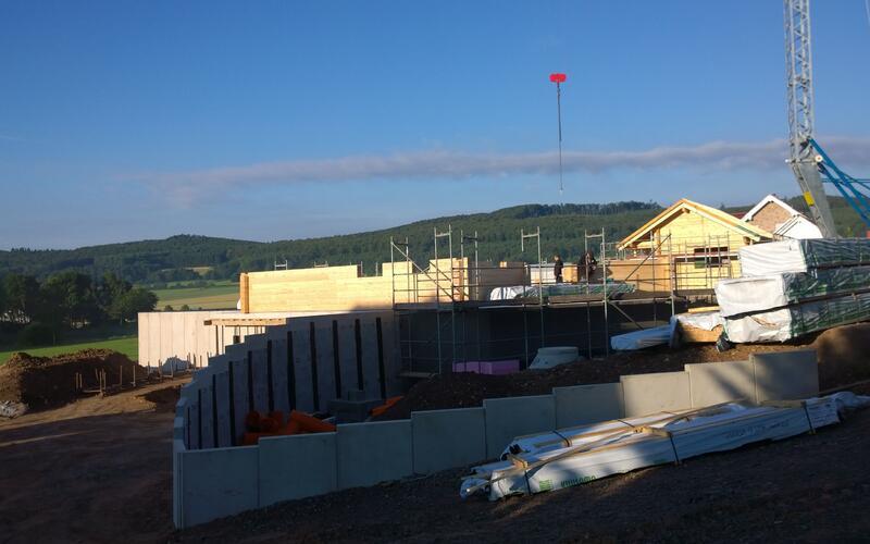 Baustelle - Blockhaus als Hanghaus in Hessen