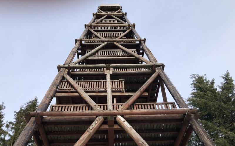 Der Ebersnacken im Sollingen - Die Sanierung der Holzkonstruktionen des Turms wurde von Holzbau Brandt erfolgreich fertiggestellt