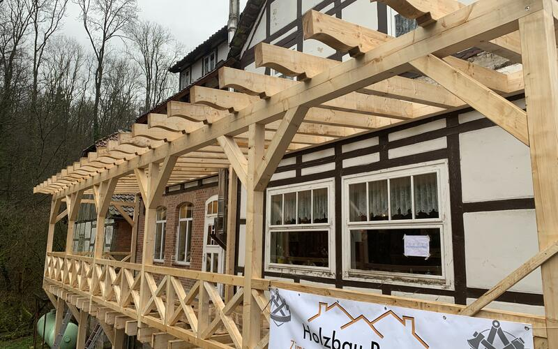 Terrasse erneuert - Restaurant Sievershagener Mühle in Niedersachsen