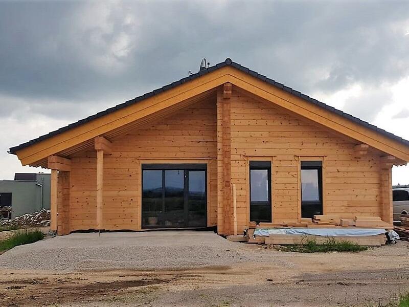 Holzhaus in echter Blockbauweise - Holzbau Brandt - Blockhausbau